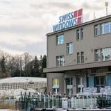 Am Hauptsitz in Mörschwil arbeiteten zuletzt rund 100 Mitarbeitende für die Fensterbauerin Swisswindows AG. (Bild: Nik Roth)