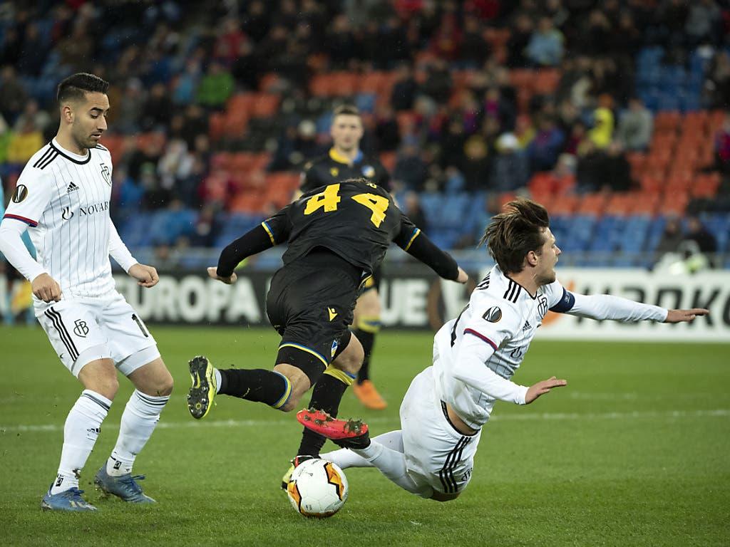 Dieses Foul im Strafraum von Nicholas Ioannou an Valentin Stocker genügt dem FCB zum ersten Heimsieg im Jahr 2020