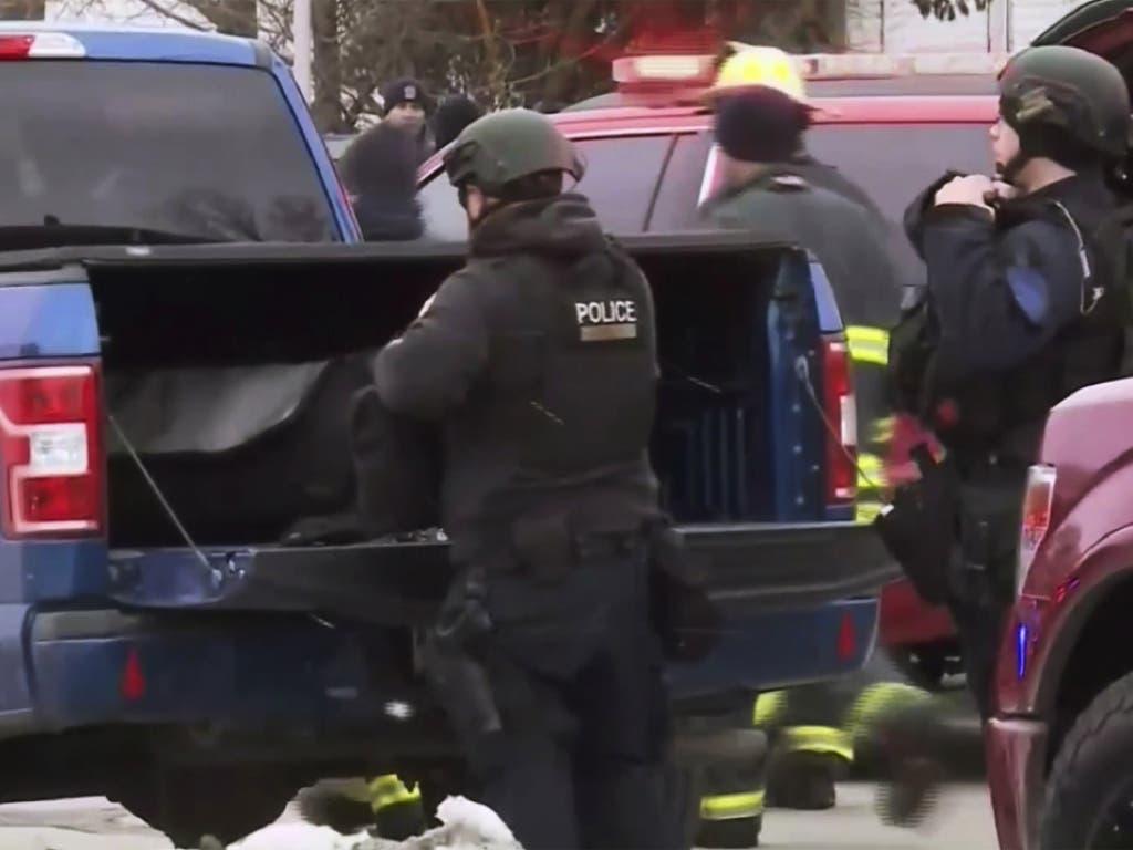 Fünf Personen starben bei einer Schiesserei nahe einer Brauerei in Milwaukee. Die Polizei riegelte das Gelände ab.