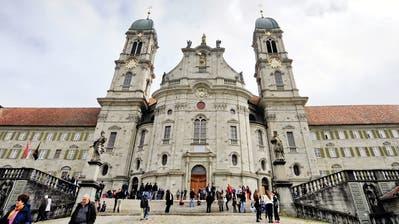 Blick auf das Kloster Einsiedeln. (Bild: Walter Bieri / Keystone (6. April 2018))