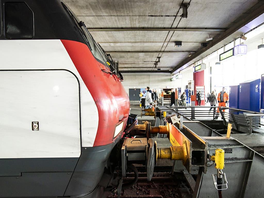 Der Zug prallte in einen Prellbock im Bahnhof Luzern.