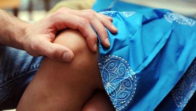 Sexuelle Belästigung wird von Betroffenen oft als Bagatelle abgetan. (Symbolbild: Keystone)