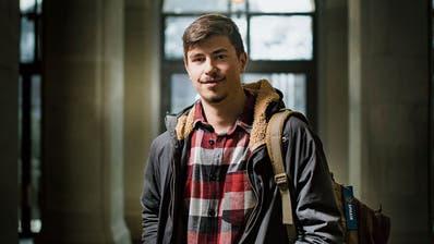 Der Kantischüler Oliver Wick aus St.Georgen will hoch hinaus – im Kantonsrat und als Kampfjetpilot