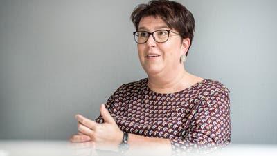 Stadträtin Ursi Senn-Bieri erläutert ihre Ideen zur Quartierarbeit. ((Bild: Andrea Stalder))