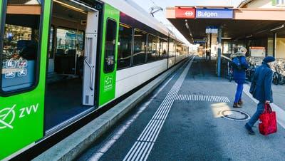Bahnhof Sulgen: Auf Gleis 1 ist ein Zug eingefahren. (Bild: Donato Casparin)