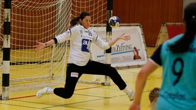 Stark: Zugs Goalie Laura Innes pariert 41 Prozent der Schüsse auf ihr Tor. (Bild: Stefan Kaiser (Zug, 1. März 2020))