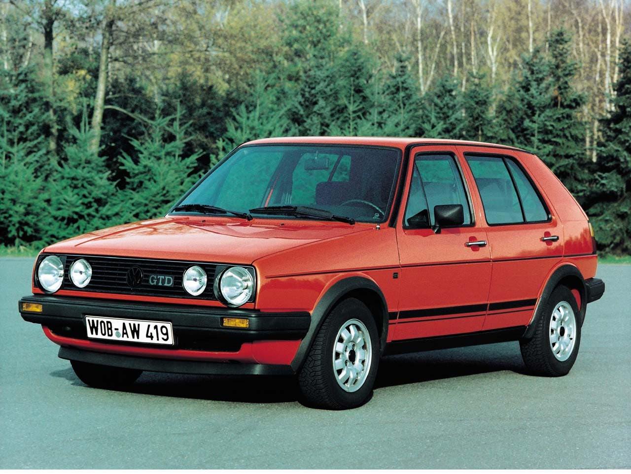 1982 bekommt der GTI einen Bruder: Den Diesel GTD. 69 PS machten ihn damals zu einem der schnellsten Diesel seiner Zeit.