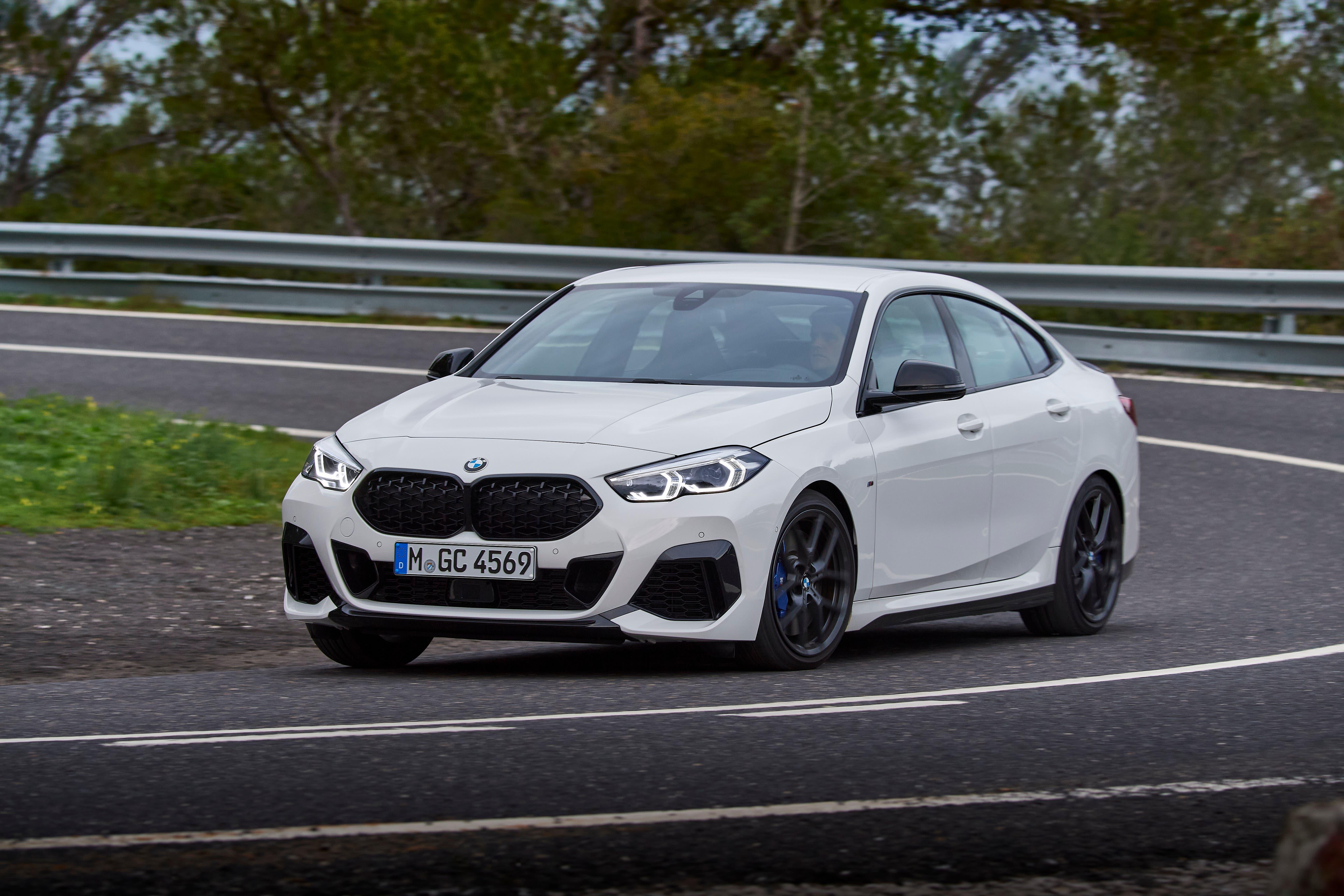 Dynamisch um die Kurve: Das 2er Gran Coupé überzeugt dank ausgetüftelter Technik mit guten Fahreigenschaften.