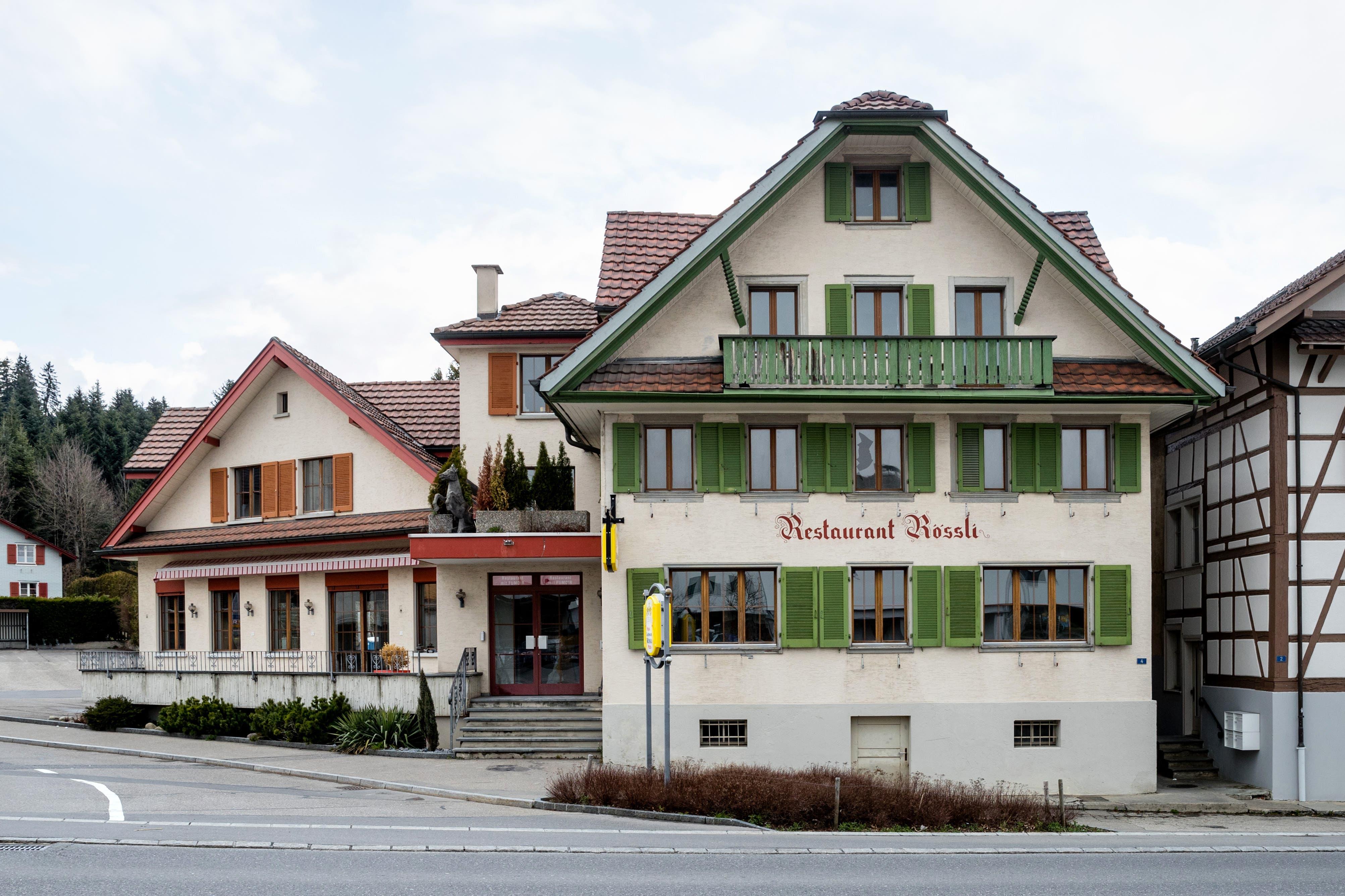 Im Frühling des vergangenen Jahres hat das prominent im Dorfkern von Hellbühl liegende «Rössli» einen neuen Eigentümer bekommen. Seit Mai 2019 ist das Restaurant wegen den Umbau- und Renovationsarbeiten geschlossen.