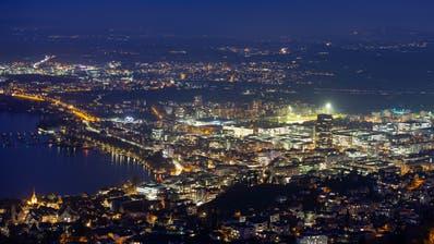 Die Stadt Zug bei Nacht. (Bild: Stefan Kaiser,(Zug,27. Januar 2020))