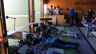 Schiessbetrieb im Schützenhaus Hurnen. ((Bild: ZVG))