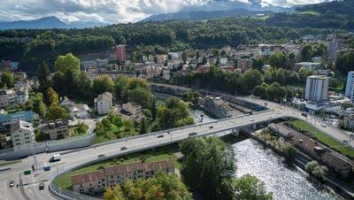 Die Reussportbrücke über die Reuss bildet das Kernstück des Projekts Spange Nord. (Visualisierung: Swiss Interactive AG)