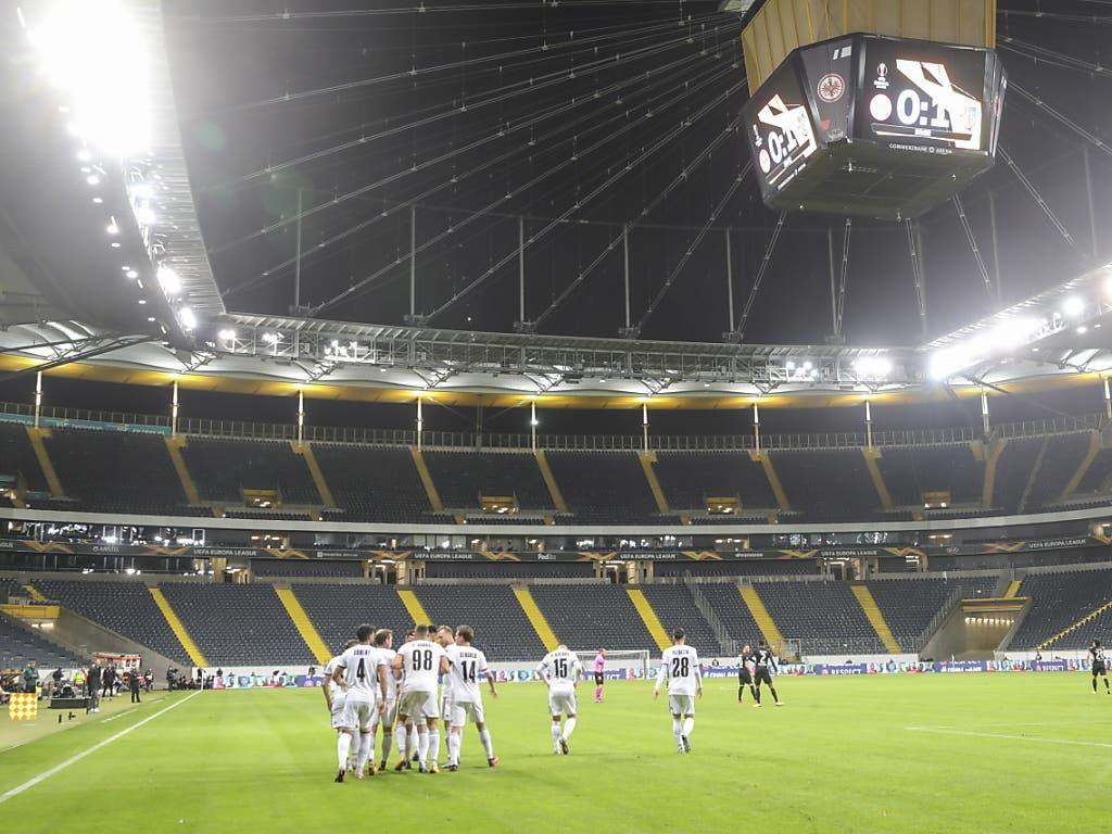 Gespenstisch: Basler Torjubel im leeren Frankfurter Stadion