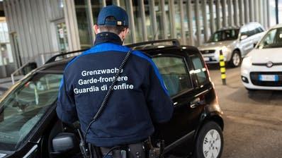 Verfügt der Bundesrat am Freitag Einreisesperren an den Grenzen? (Bild: Keystone)