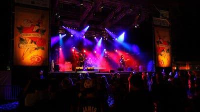 Die Gruppe Die So Fluid bei ihrem Auftritt im Juli 2009 an der Muisig Lanzgmeind. (Bild: André A. Niederberger)