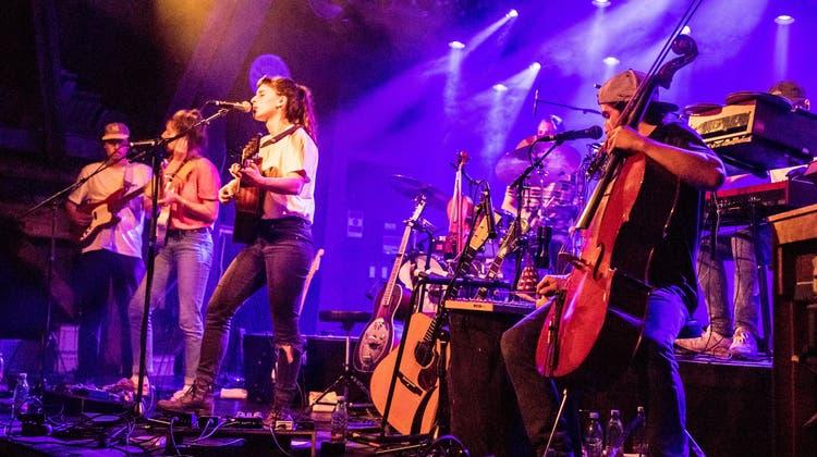 Die Zürcher Band Black Sea Dahu bei einem Konzert in Luzern. (Nadia Schärli / Luzerner Zeitung)