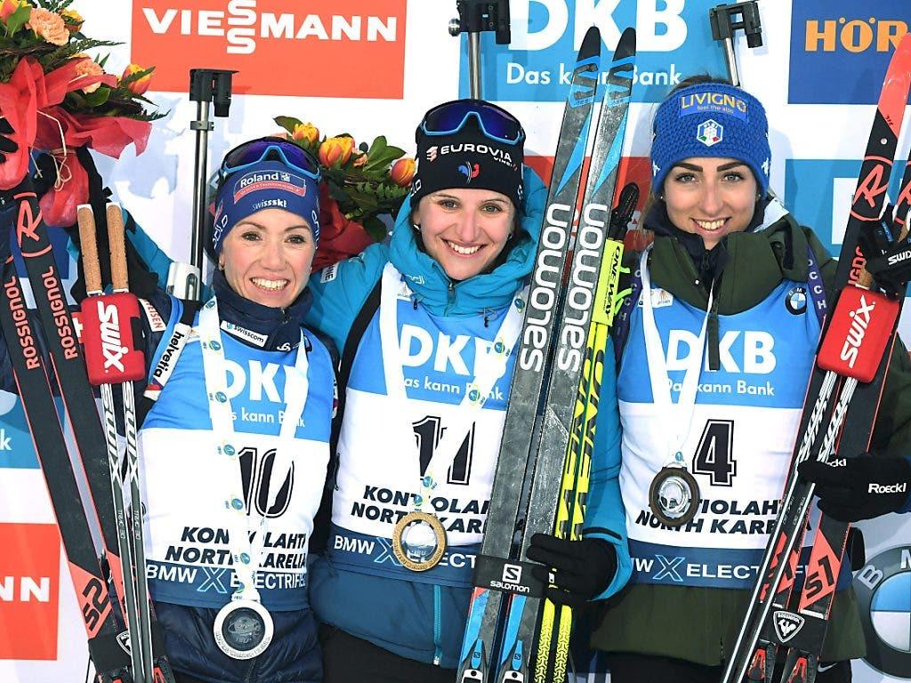 Das Podest: Selina Gasparin, Julia Simon und Lisa Vittozzi.