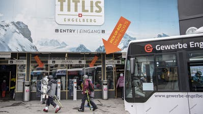 Das Skigebiet Engelberg-Titlis war am Samstag normal geöffnet. Der Bundesrat hat jedoch wegen des Corona-Virus die Schliessung aller Skigebiete verordnet. (Bild: Keystone/Urs Flüeler (14. März 2020))