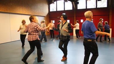 Pro-Senectute-Anlässe wie diese Line Dance-Gruppe in Stans können nun nicht mehr stattfinden. (Bild: Marion Wannemacher (21. November 2019))