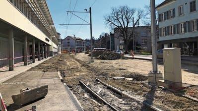 Das unterbrochene Gleis am Frauenfelder Marktplatz. ((Bild: Sebastian Keller))