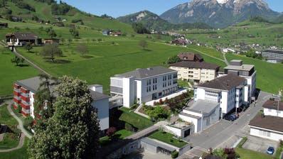 Luftaufnahme des Alters- und Pflegeheims Nägeligasse in Stans. (Bild: PD)