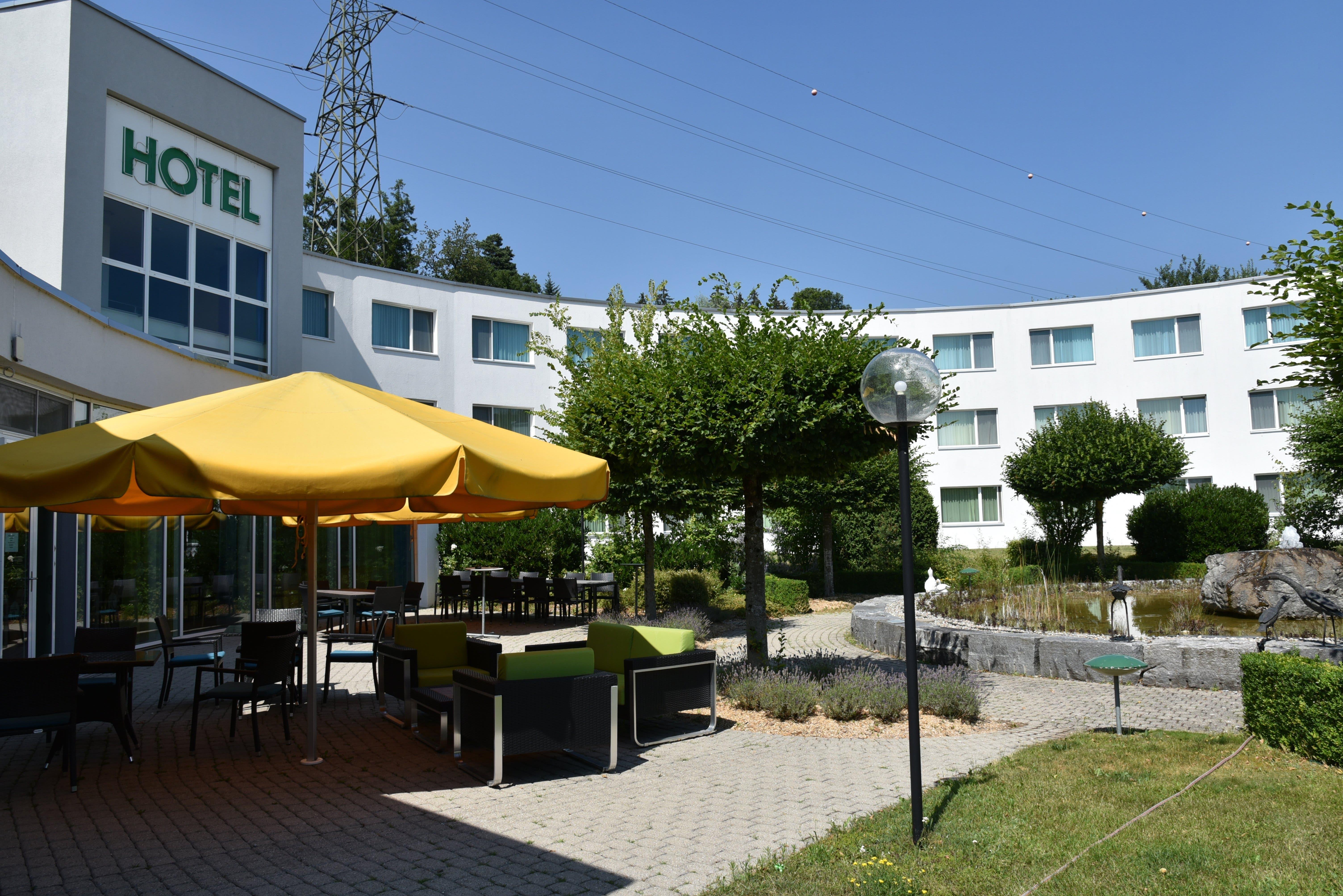 Zur Raststätte Grauholz gehören verschiedene Betriebe. Darunter auch ein Hotel.