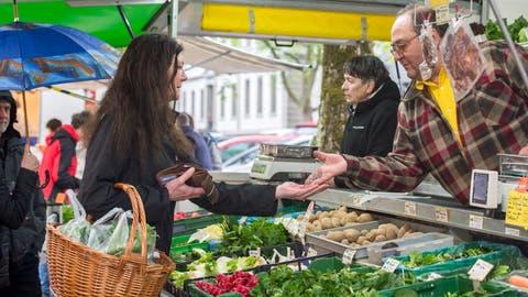 Impression vom Frauenfelder Wochenmarkt auf der Promenade, als er noch stattfand. ((Bild: Reto Martin))