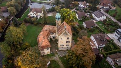 Die Luxburg in Egnach ist eine Black Box. Zur Zeit werden für Verhandlungen die Eckdaten des Anwesens erhoben. (Bild: Michel Canonica)