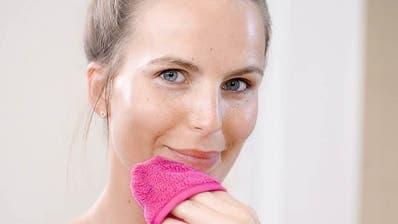 Der Make-Up-Radierer ist fünf Mal wiederverwendbar. (Bild. zvg)