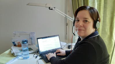 Redaktorin Susanne Balli im Homeoffice. (Bild: Benno Mattli, 19. März 2020)