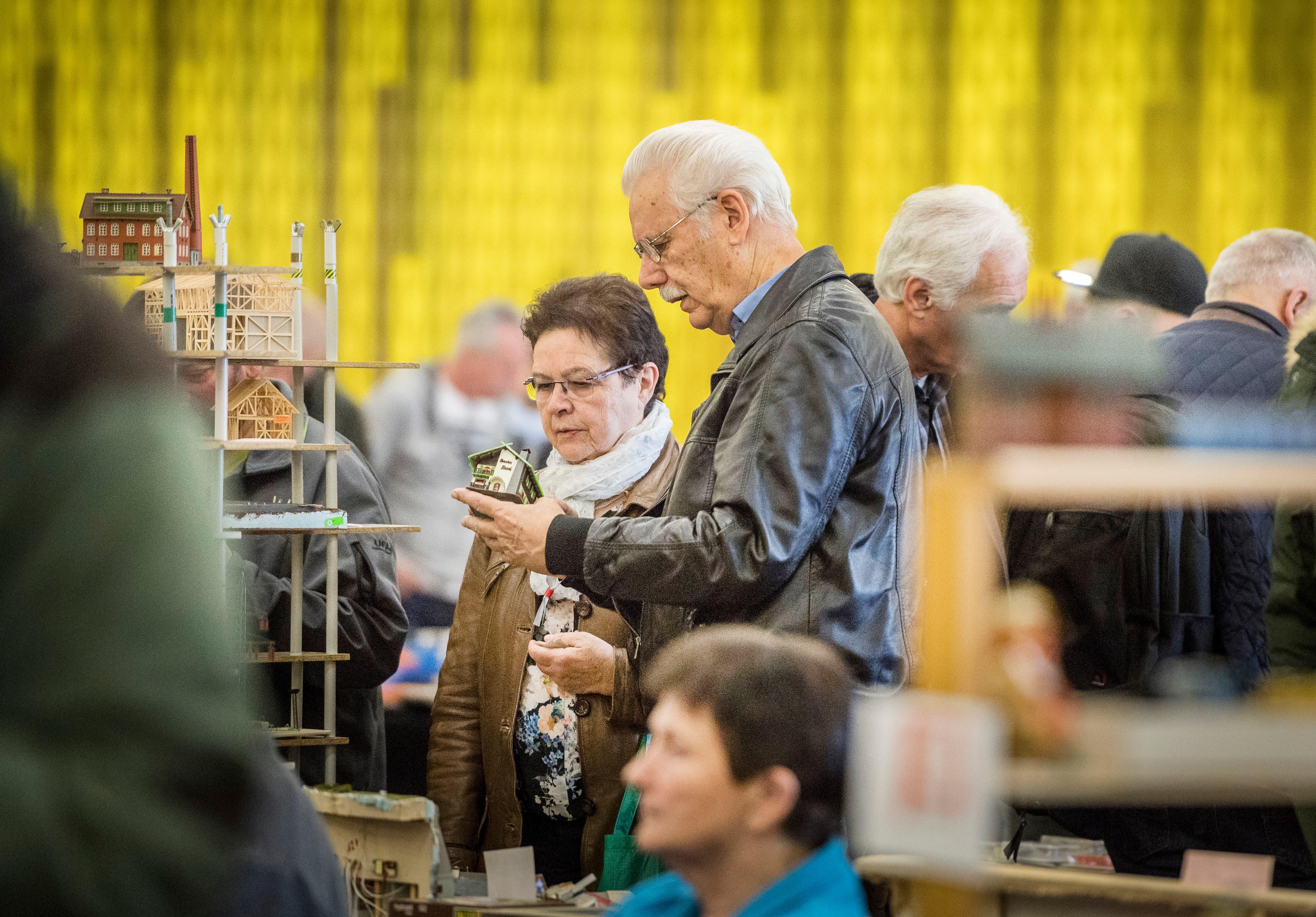 Amriswil TG - Modelleisenbahn- und Spielzeugbörse im Pentorama Amriswil. Die Messe durfte trotz Corona Virus durchgeführt werden, es sind weniger als 1000 Besucher.