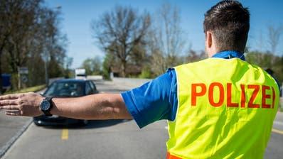 Mehr Polizisten: Die vorberatende Kommission stellt sich hinter den Antrag der Regierung. (Reto Martin)