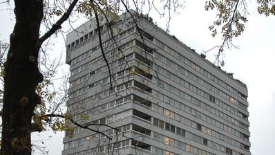 Der Bettenturm in Frauenfeld soll nun doch nicht abgerissen werden und 200 zusätzliche Betten für Personen bieten, die am Corona-Virus erkrankt sind. (Bild: Nana Do Carmo)