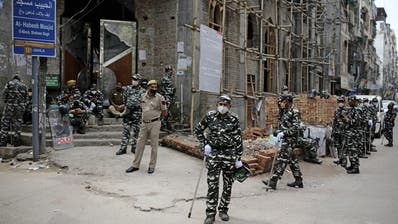Indien verhängt Ausgangssperre - 1,3 Milliarden Einwohner in Panik