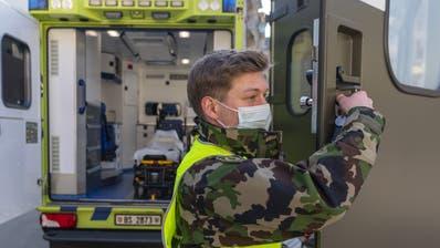 Das Spitalbataillon 5 der Armee beim Einsatz zugunsten der Rettungsdienste Basel-Stadt. (Georgios Kefalas / KEYSTONE)