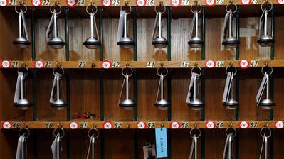 Viele Zimmerschlüssel in den Ostschweizer Hotels bleiben zur Zeit unbenutzt. (Bild: Karl Mathis/Keystone)