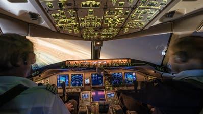 Airline-Piloten müssen regelmässig einen Check-Flüge absolvieren, um ihre Fluglizenz zu behalten. (Sales Wick / Obwaldner Zeitung)