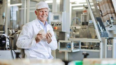 Thomas Gamper posiert in ruhigeren Zeiten für einen Firmenprospekt in der Hefefabrik in Stettfurt. (Bild: Chris Mansfield)
