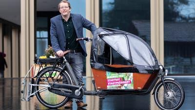 Maurus Frey (Grüne) fährt in Richtung Stadtrat. (Bild: Patrick Hürlimann (Kriens, 29. März 2020))