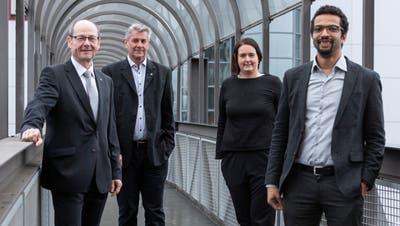 Die gewählten Emmer Gemeinderäte (von links): Thomas Lehmann (FDP), Patrick Schnellmann (CVP), Ramona Gut-Rogger (FDP) und Brahim Aakti (SP). (Bild: Patrick Hürlimann (Emmen, 29. März 2020))