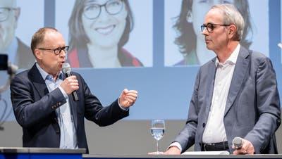 Stapi-Herausforderer und Sozialdirektor Martin Merki (FDP, links) und der amtierende Stapi Beat Züsli (SP) am Podium im LZ-Auditorium. ((Bild: Philipp Schmidli, Luzern 3. März 2020))