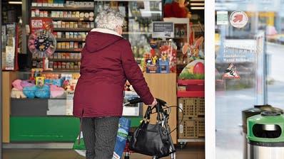 150 Helfende auf 30 Hilfesuchende: Ältere Menschen nehmen Nachbarschaftshilfe nur zaghaft in Anspruch