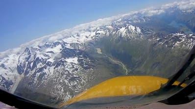 Gegen die Corona-Langeweile: Fliegen Sie im Kampfjet über die Alpen!