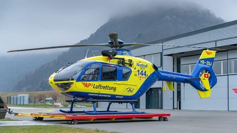 Der Verunfallte wurde mit Kopfverletzungenvon einem Helikopter der AP3 Luftrettung ins Spital geflogen. (Bild: PD)