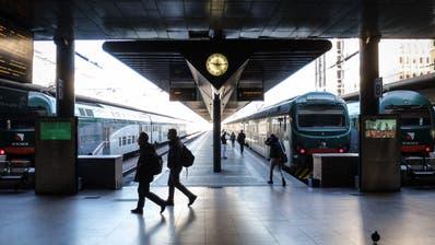 Weniger Passagiere als normal: Der Bahnhof Cadorna in Mailand nach dem Ausbruch des Corona-Virus. (Matteo Corner / EPA)