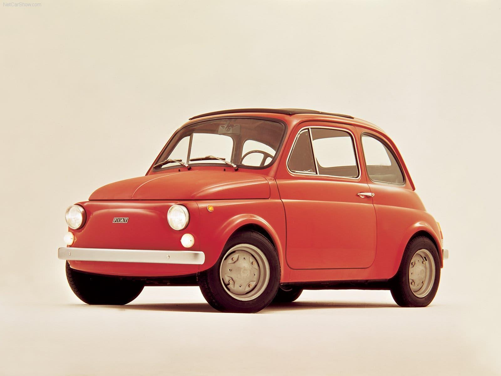 Wurde zum Kult-Auto:  Die zweite Generation des Fiat 500 war eine Revolution. Sie ermöglichte vielen Menschen in der Nachkriegszeit einen erschwinglichen Zugang zu individueller Mobilität.
