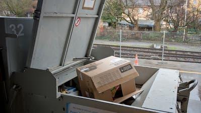 Karton-Recycling soll in der Stadt Zug weiterhin gratis sein