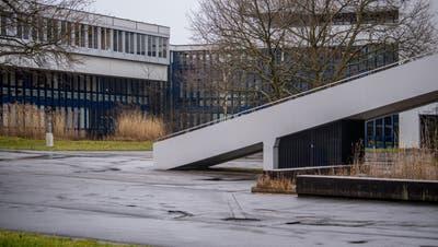 Die Kantonsschule Alpenquai in Luzern: Eine 16-jährige Schülerin wurde als Erste im Kanton Luzern positiv auf das Corona-Virus getestet. (Bild: Nadia Schärli (Luzern, 5. März 2020))