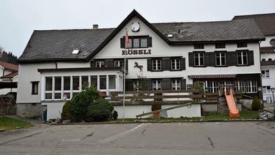 Noch werden die Gäste im Restaurant Rössli in Gähwil bedient. Nach Ablauf des Pachtvertrages von Pascal und Petra Fischbacher könnte sich dies aber ändern. (Bild: Beat Lanzendorfer)