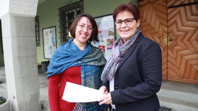 Paula Silva von der Integrationsstelle der Stadt Amriswil und Stadträtin Daniela Di Nicola stehen hinter dem neuen Angebot. ((Bild: PD/seh))